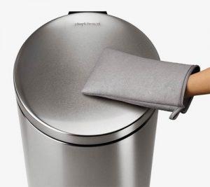 simplehuman-microfiber-handschoen-rvs-prullenbak-schoonmaken