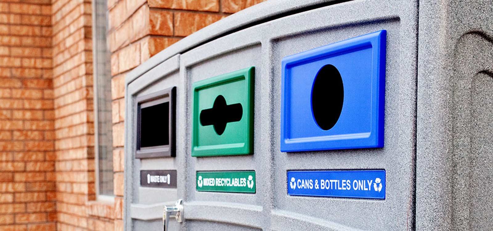 gescheiden-afvalbak-buiten-afvalscheiding